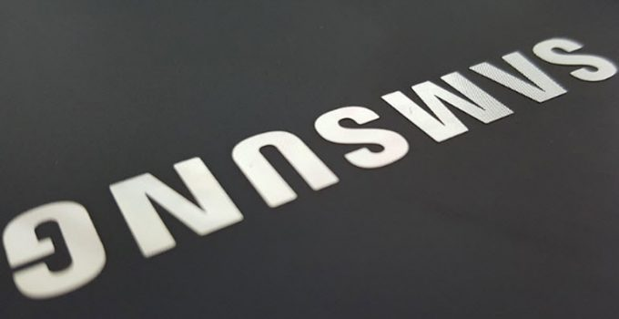 Samsung Cloud Storage allows users to manage their passwords as well as protect personal data like photos on cloud storage services like Google Drive.